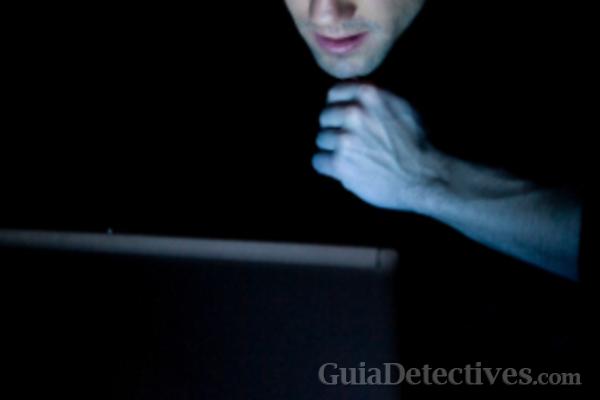 ¿Qué delitos empresariales, industriales y financieros investigan los detectives privados?